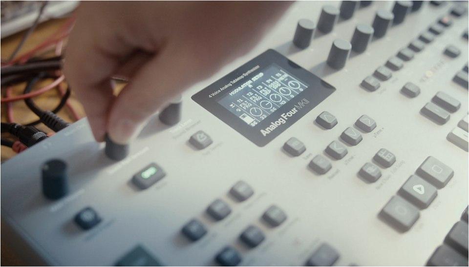 analog-four-mkii-02